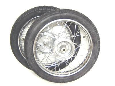 """Komplettradsatz 16"""" Chrom Vee Rubber 094"""