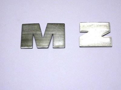 """Buchstaben Alu """"M"""" und """"Z"""" im Satz"""